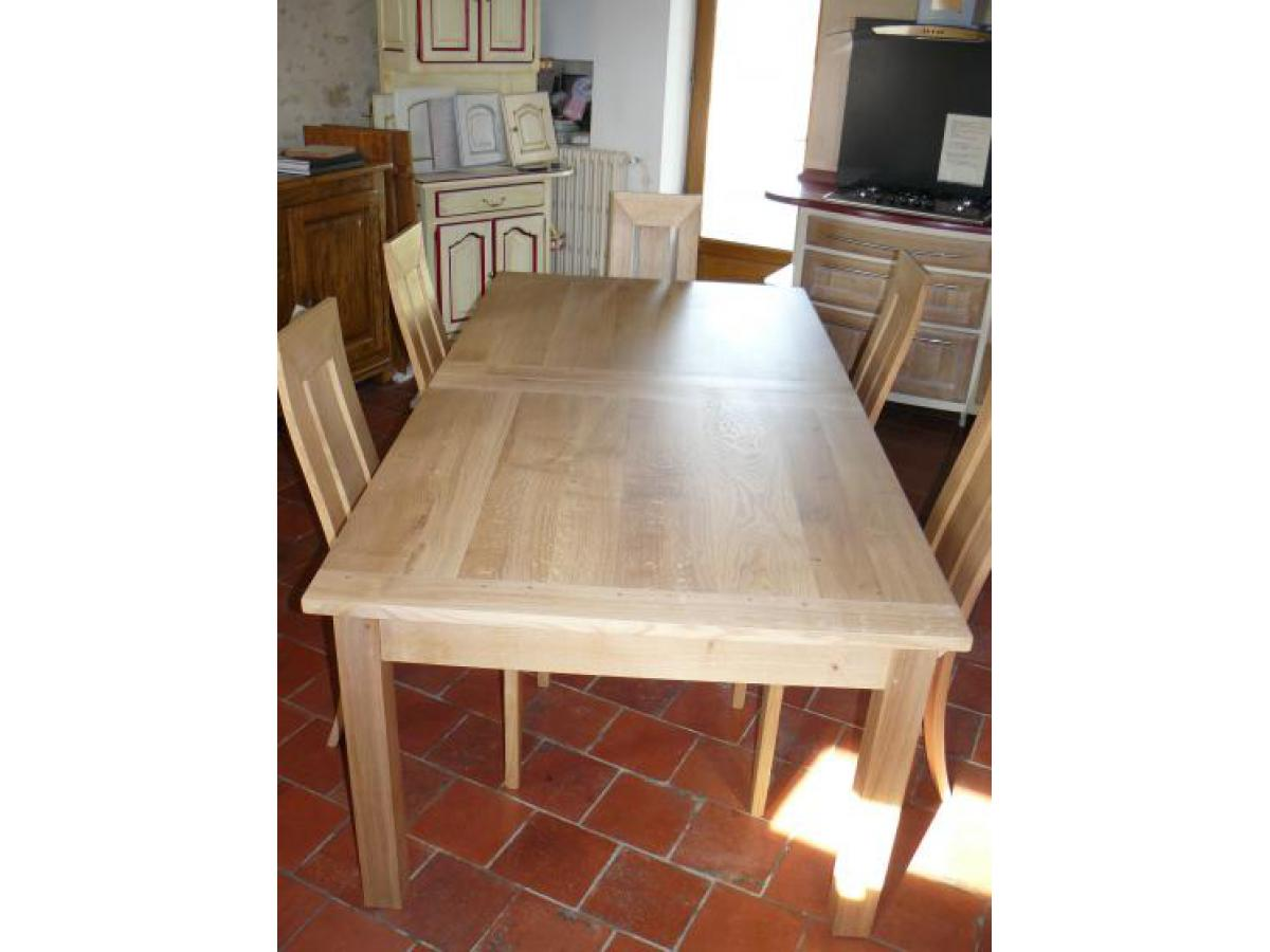 Table contemporaine en chêne avec 3 allonges