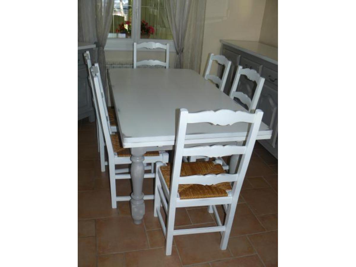 Table et chaises après relookage