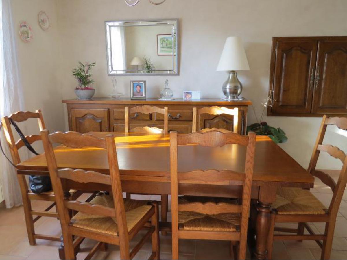 Table et chaises avant relookage